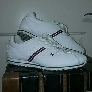 EUC Tommy Hilfiger women's size 10M sneakers.